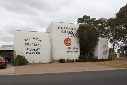 Big Wool Bales 01