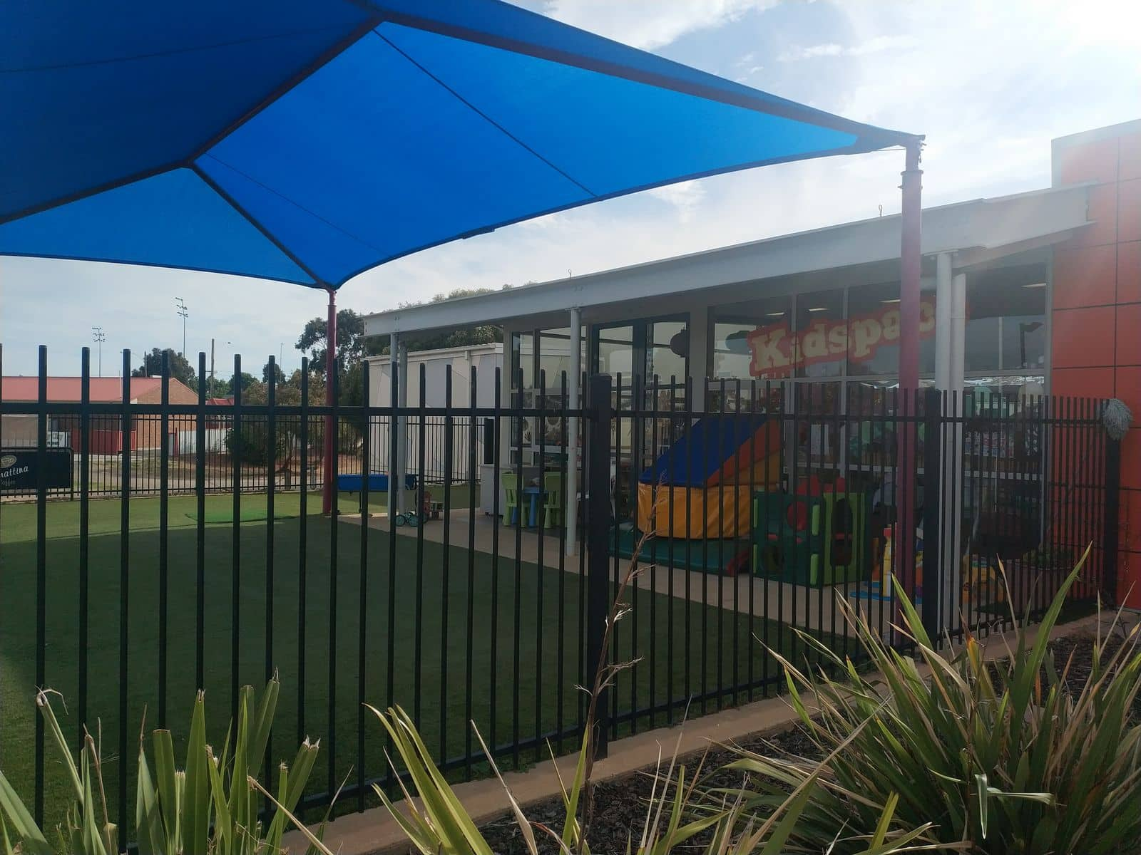 Horsham aquatic centre prices timetable opening hours - Horsham swimming pool opening times ...