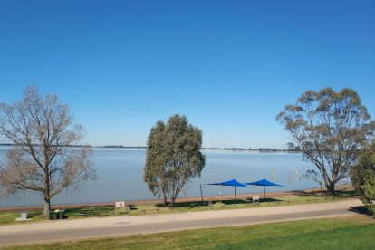 Lake Bolac Attraction-14